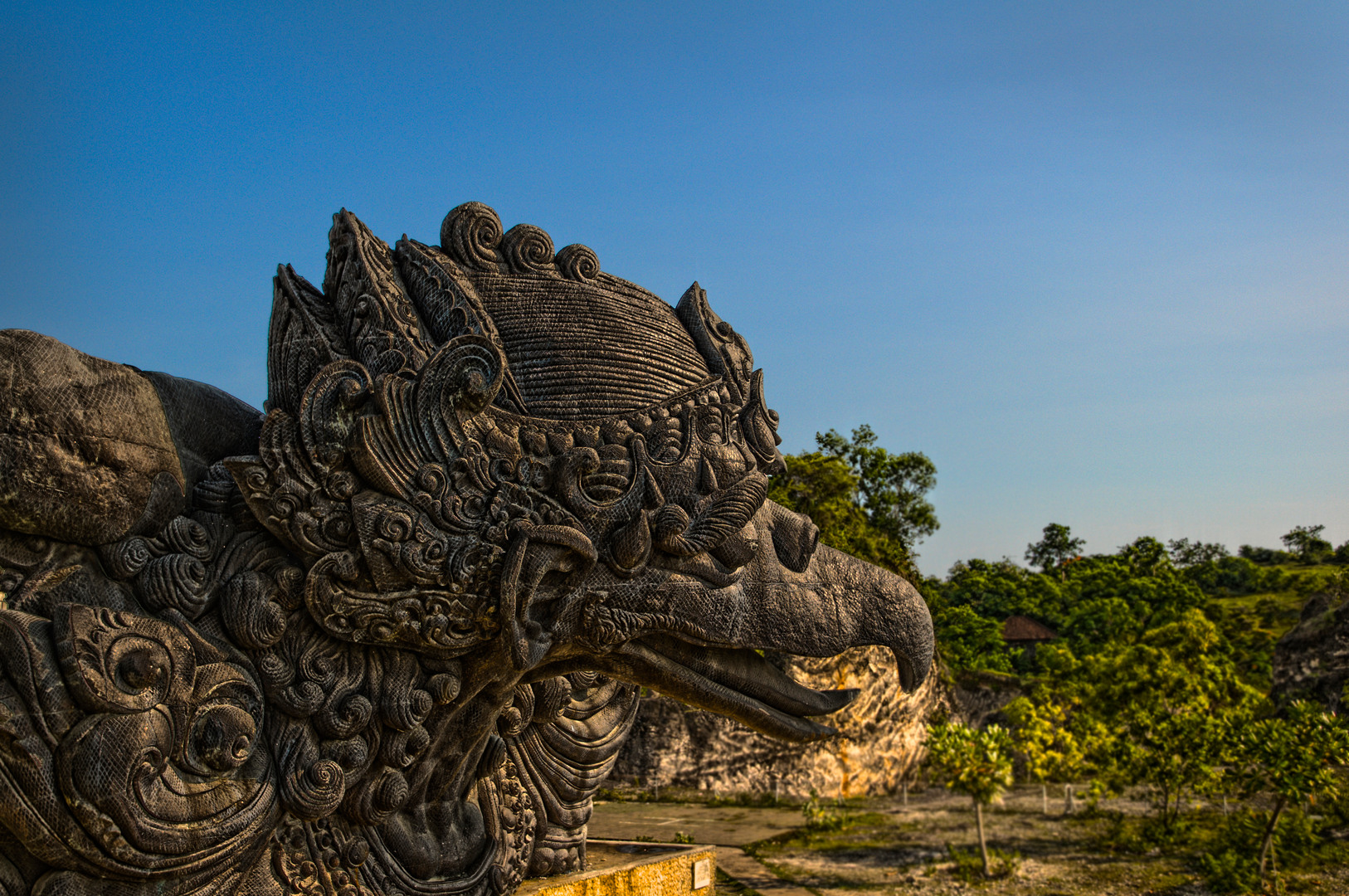 garuda sculpture - photo #33