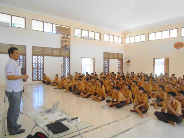 A Talk at Bali Mandara 4