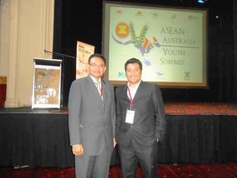 With Ambassador Bagas Hapsoro in the 2nd ASEAN-Australia Youth Summit