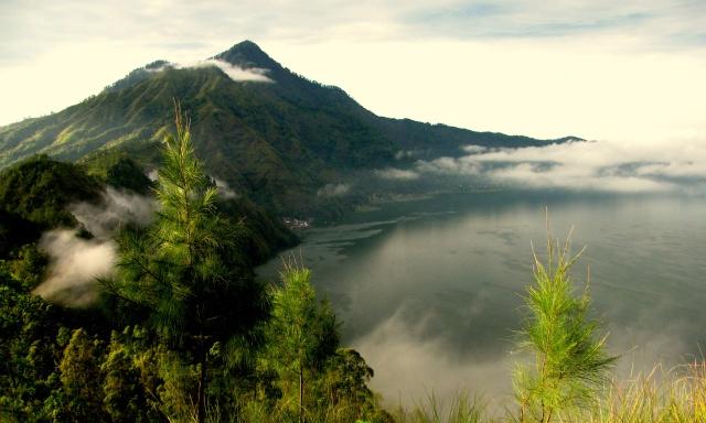 Batur-Caldera-Sunrise-Trekking-Bali-Hiking